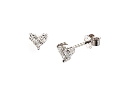 Real-Diamond-Heart-Stud-Earrings-ESA00015