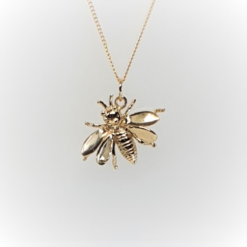 9ct-Gold-Wasp-Pendant-&-chain-PC00503